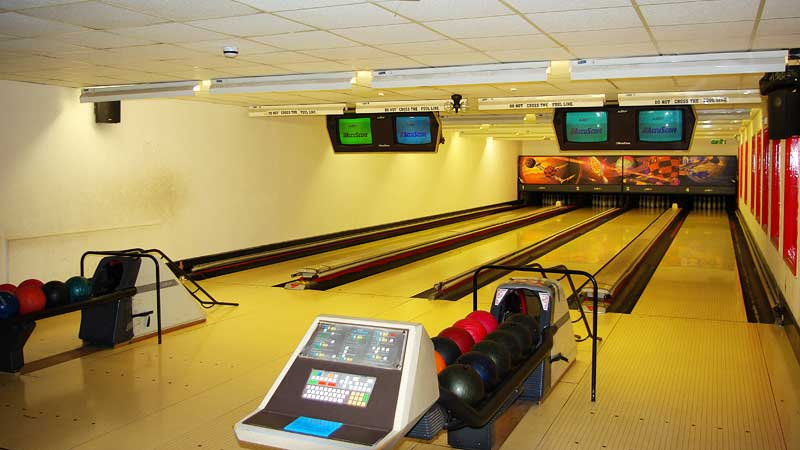 porth lodge hotel newquay cornwall four lane ten pin bowling